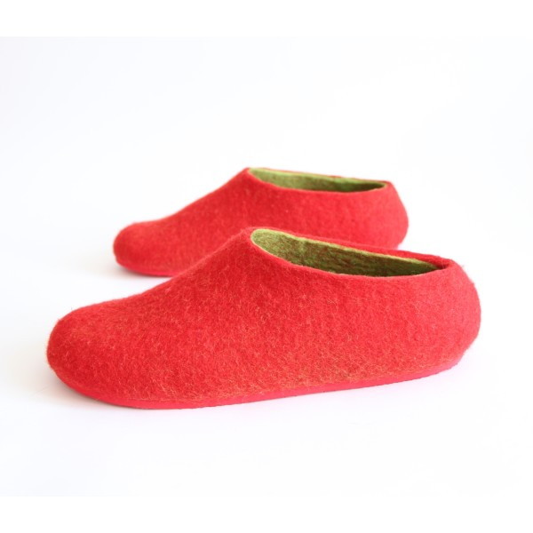 9b8f0fde9597 Women s felt slippers in strawberry red (various sole colours ...