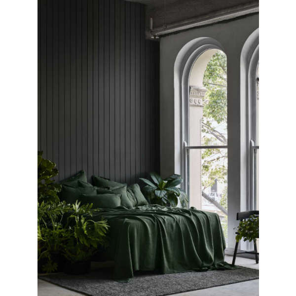 Pure Linen Bed Sheet Set In Forest Green Hardtofind