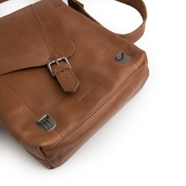 69d901705554 Riley messenger bag in tan