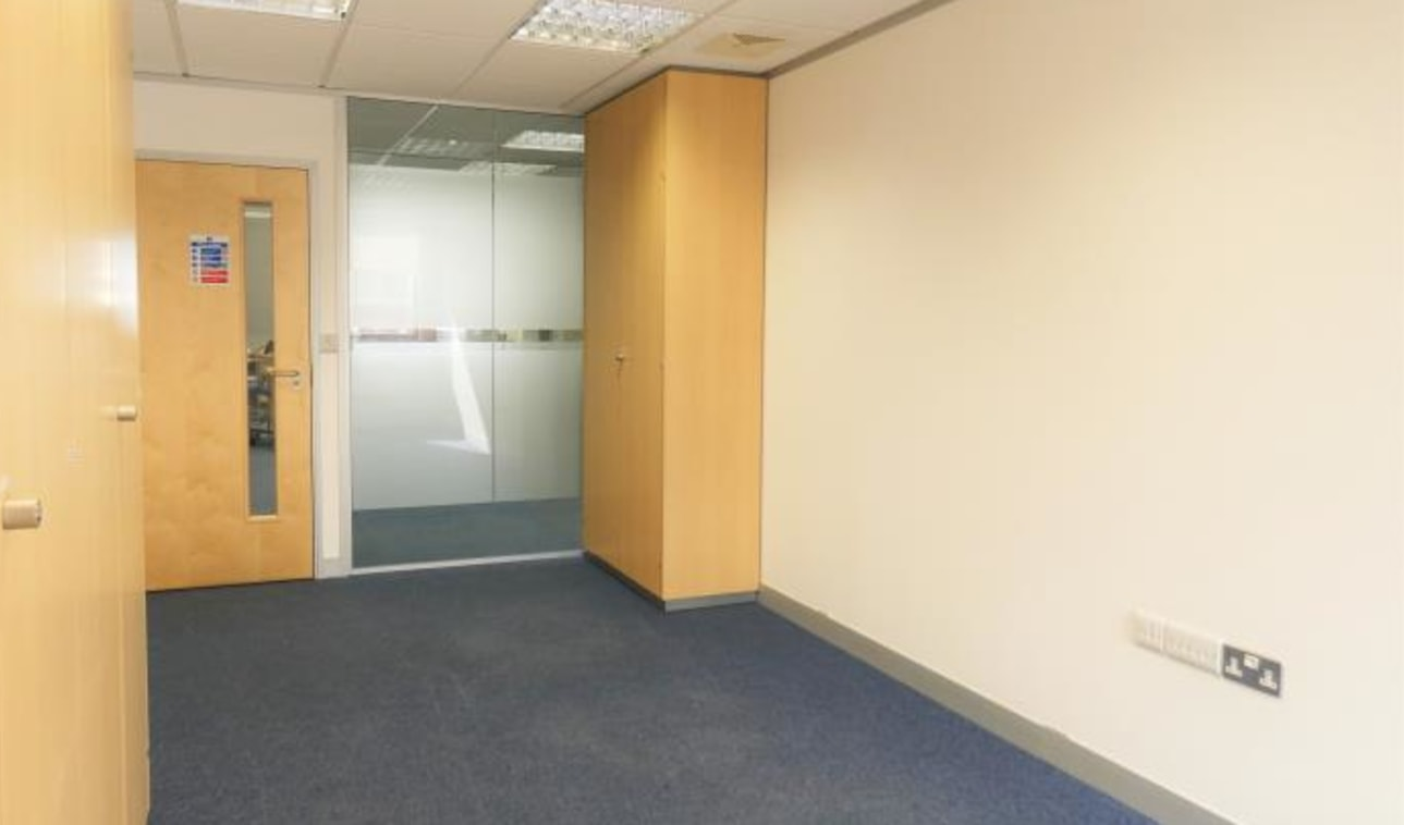 Ashley House is a Town Centre office building close to High Street amenities and excellent public transport links. The building provides office accommodation over 4 floors.\n\nTERMS\n\nSuites on the 4th floor are available on a flexible licence and i...