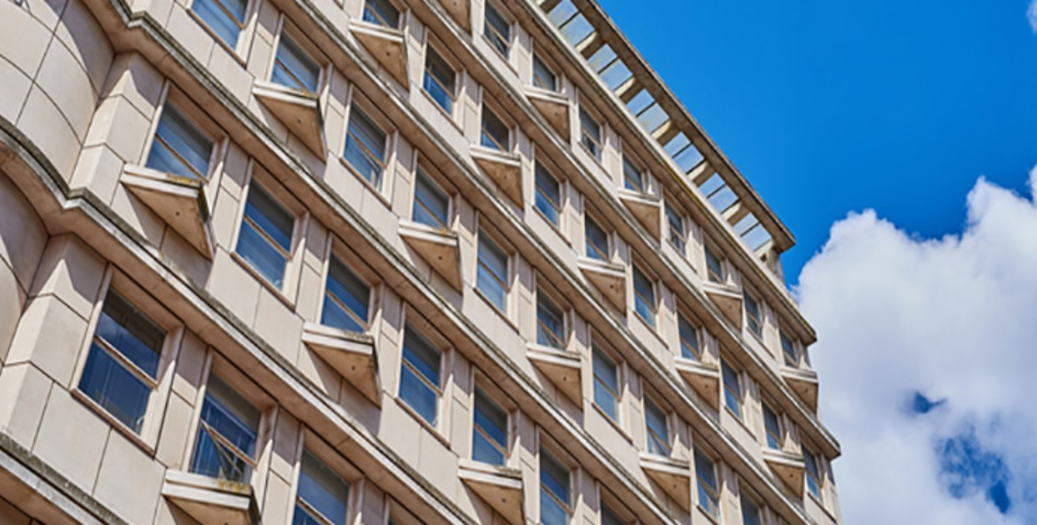 Grosvenor House provides offices to let Birmingham city centre that are within easy walking distance of New Street, Snow Hill and Moor Street stations, as well as numerous city centre car parks, many of which offer season ticket parking. The Metro an...