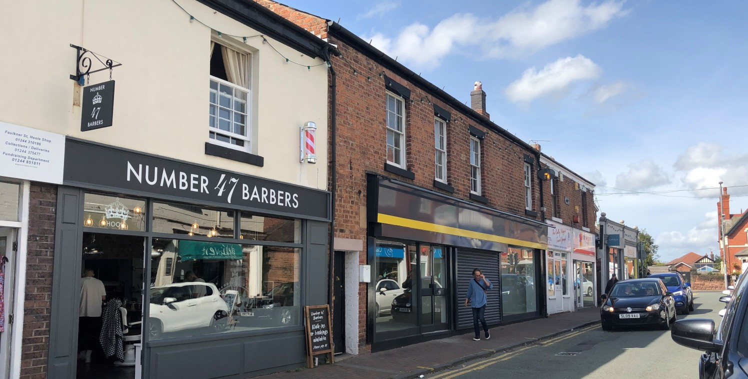 Prominent retail unit to let comprising 1,125 sq ft in Hoole, Chester.  Nearby occupies in the close vicinity include Post Office, Costa Coffee, Bargain Booze and Claire House together with a range of quality independent occupiers.