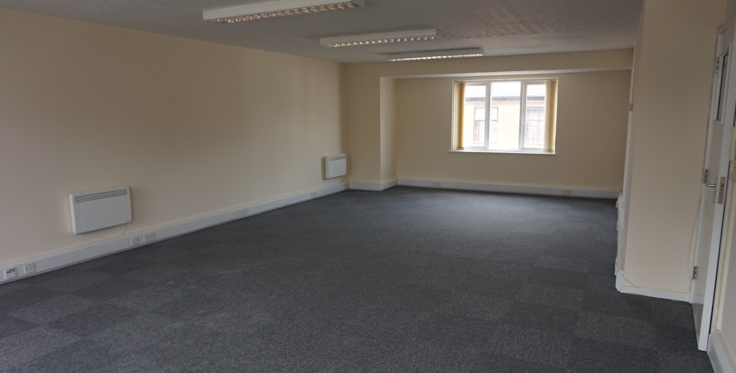 INCENTIVES AVAILABLE  Newly Refurbished First Floor Office with Town Centre Location