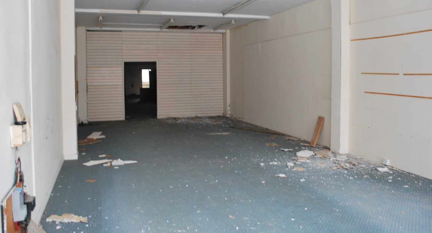Town Centre Retail Unit  Sales Area 147.8 sq m (1,591 sq ft)