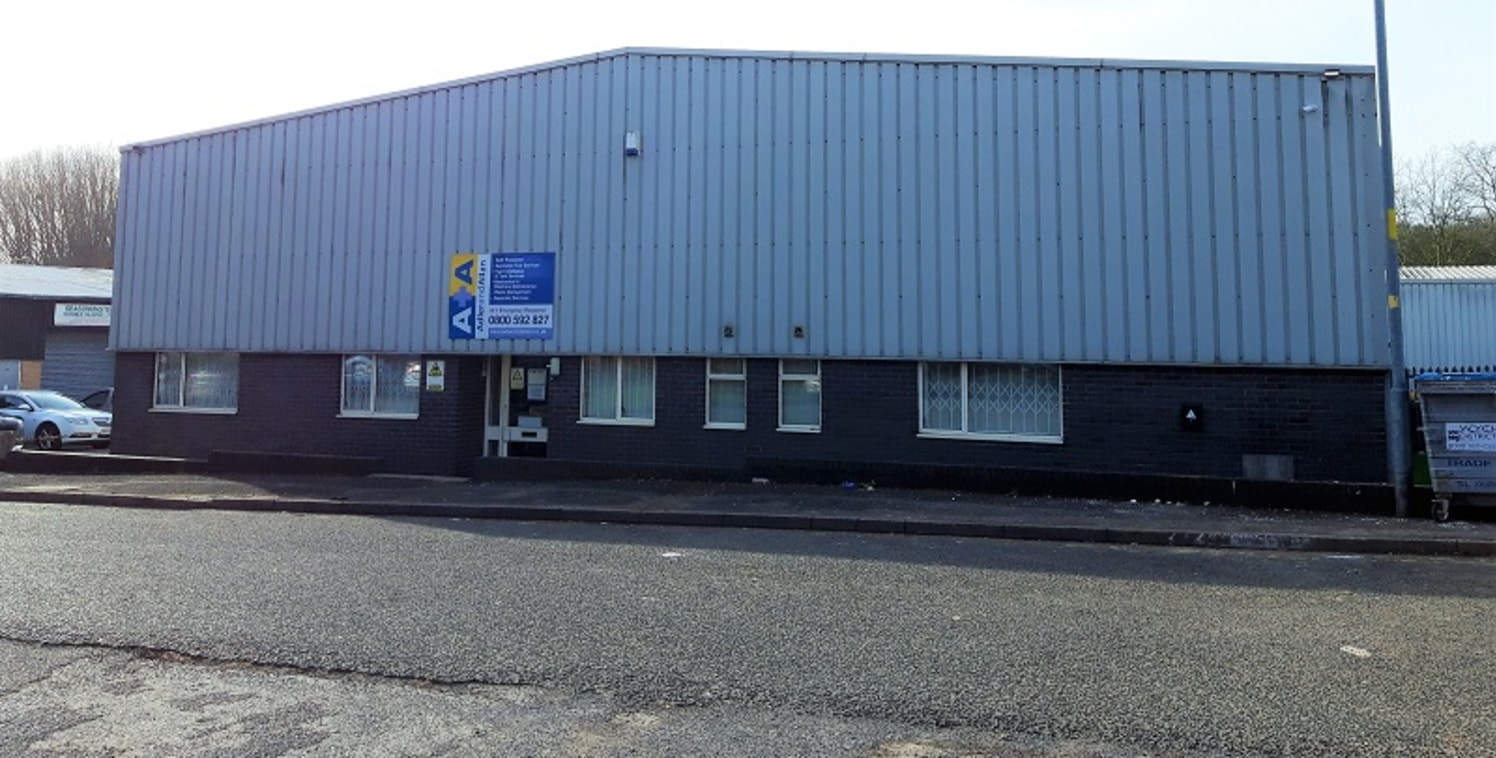 Detached 4,733 sq ft modern warehouse with secure gated yard. Situated on Hampton Lovett Trading Estate and three miles from junction 5 of the M5 Motorway.