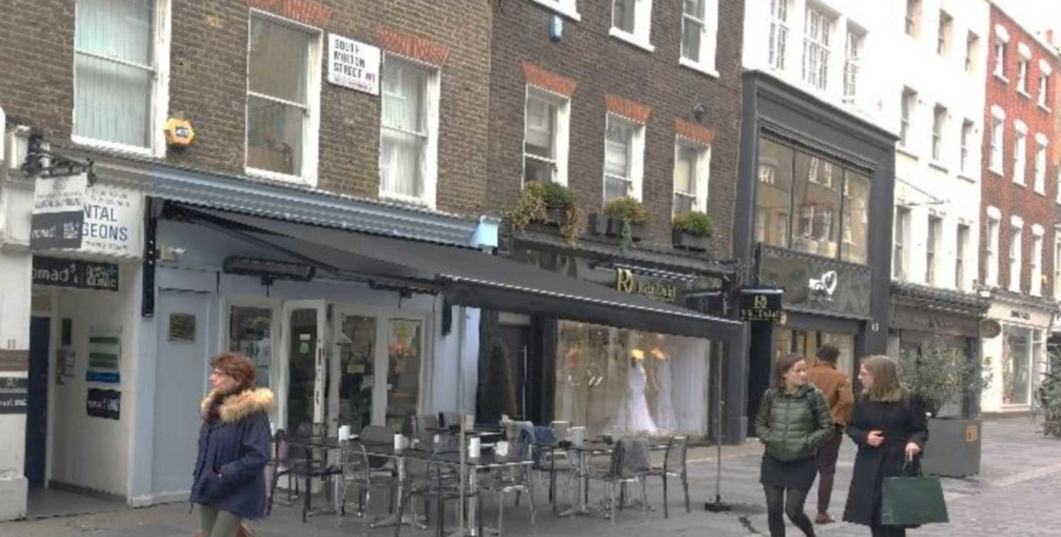 A3 Restaurant for rent on South Molton Street, Mayfair. The premises is arranged over the ground floor and basement and covers a total area of approximately 925 sq. ft....