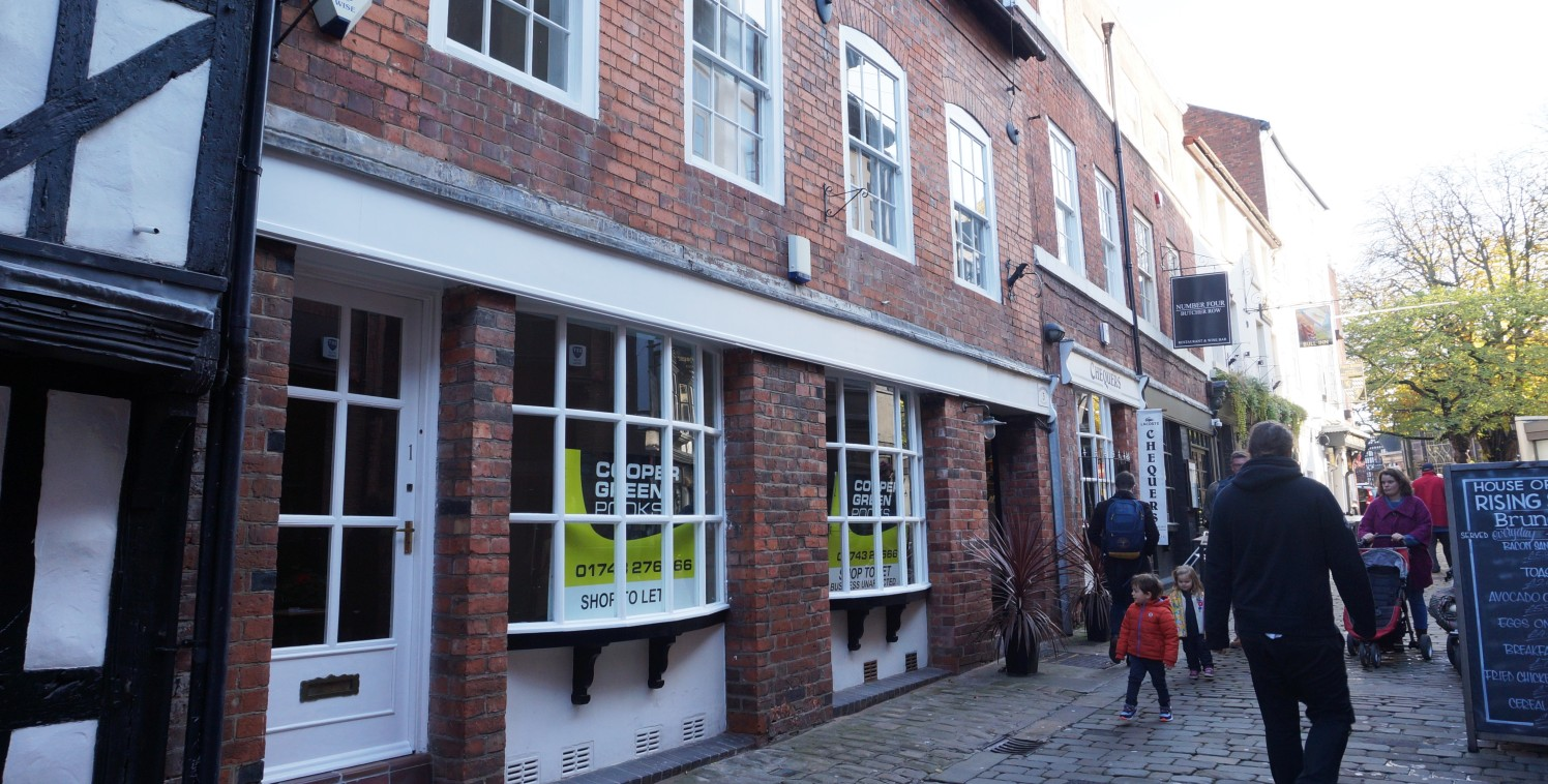 Retail unit with attractive bow window display\nLocated within popular pedestrianised zone\nSelf contained Grade II Listed accommodation\nGround Floor Net Sales Area approx. 251 sq ft (23....