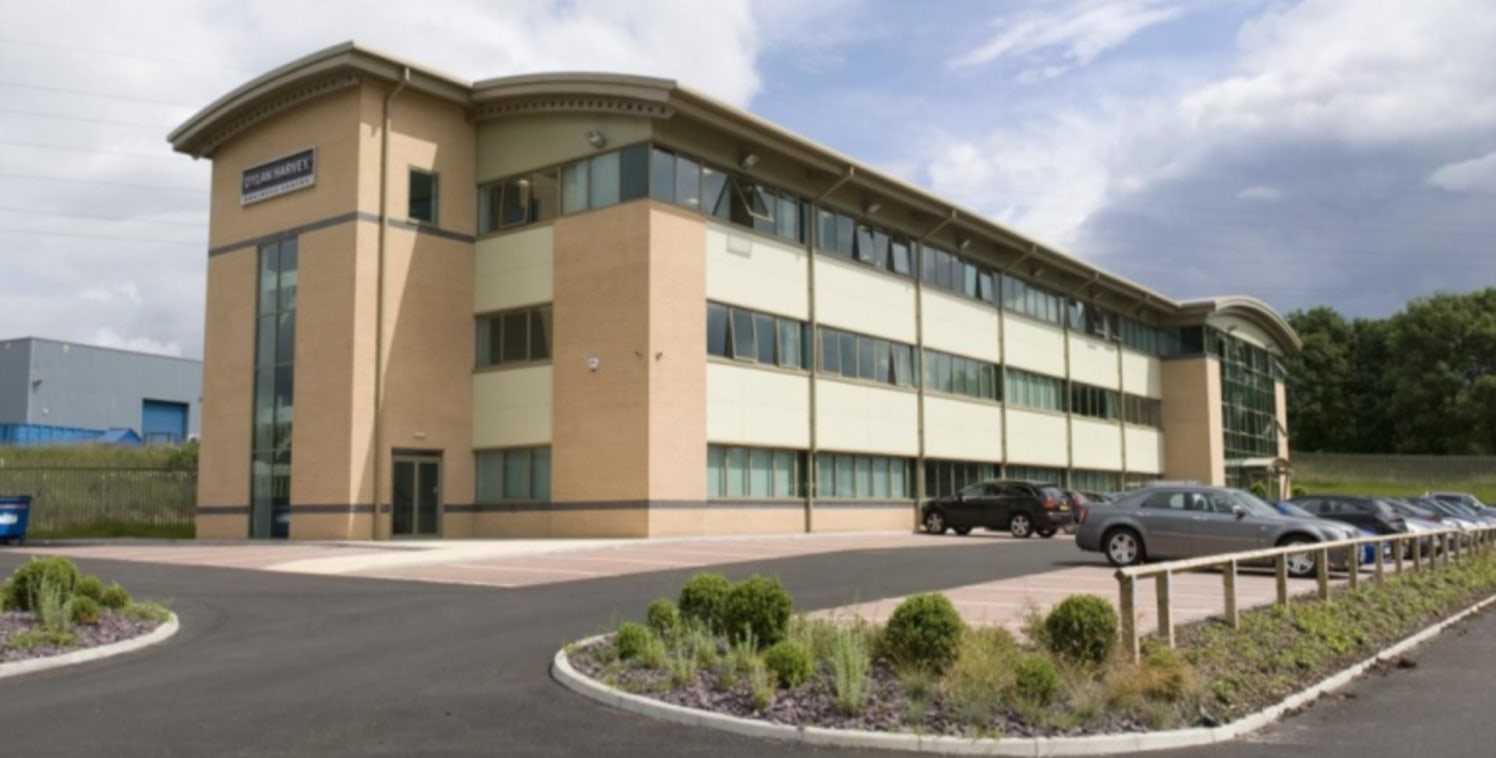 The premises comprise a 3 storey purpose built business centre, constructed on a steel frame.<br><br>Features of the development include :<br>- Impressive entrance with fully staffed reception<br>- Fully equipped with latest communication technology<...