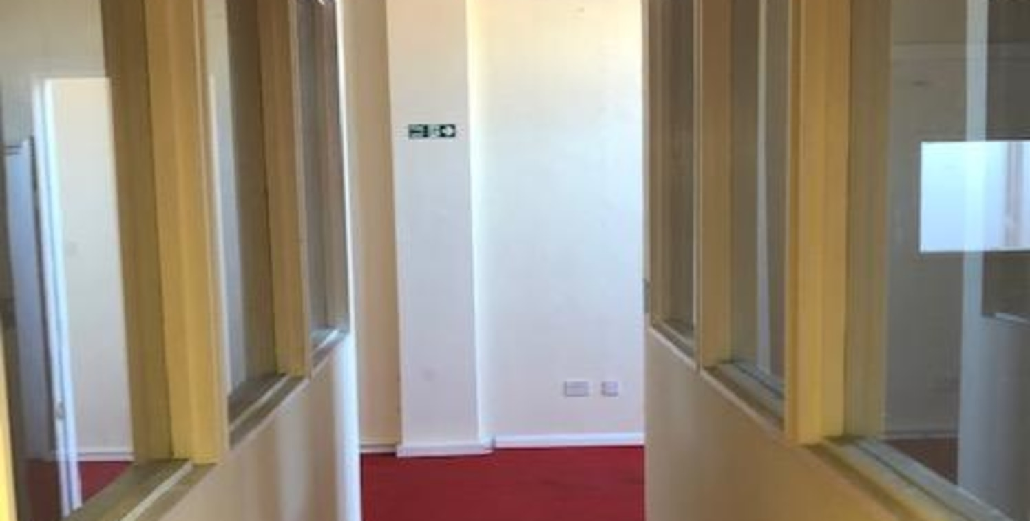 We are pleased to offer this work space ideal for OFFICE or STORAGE to let. PARKING spaces and good transport links, with Broxbourne TRAIN STATION being a short walk away. Additional cost for service charges and utilities. Access available 24/7. CALL...