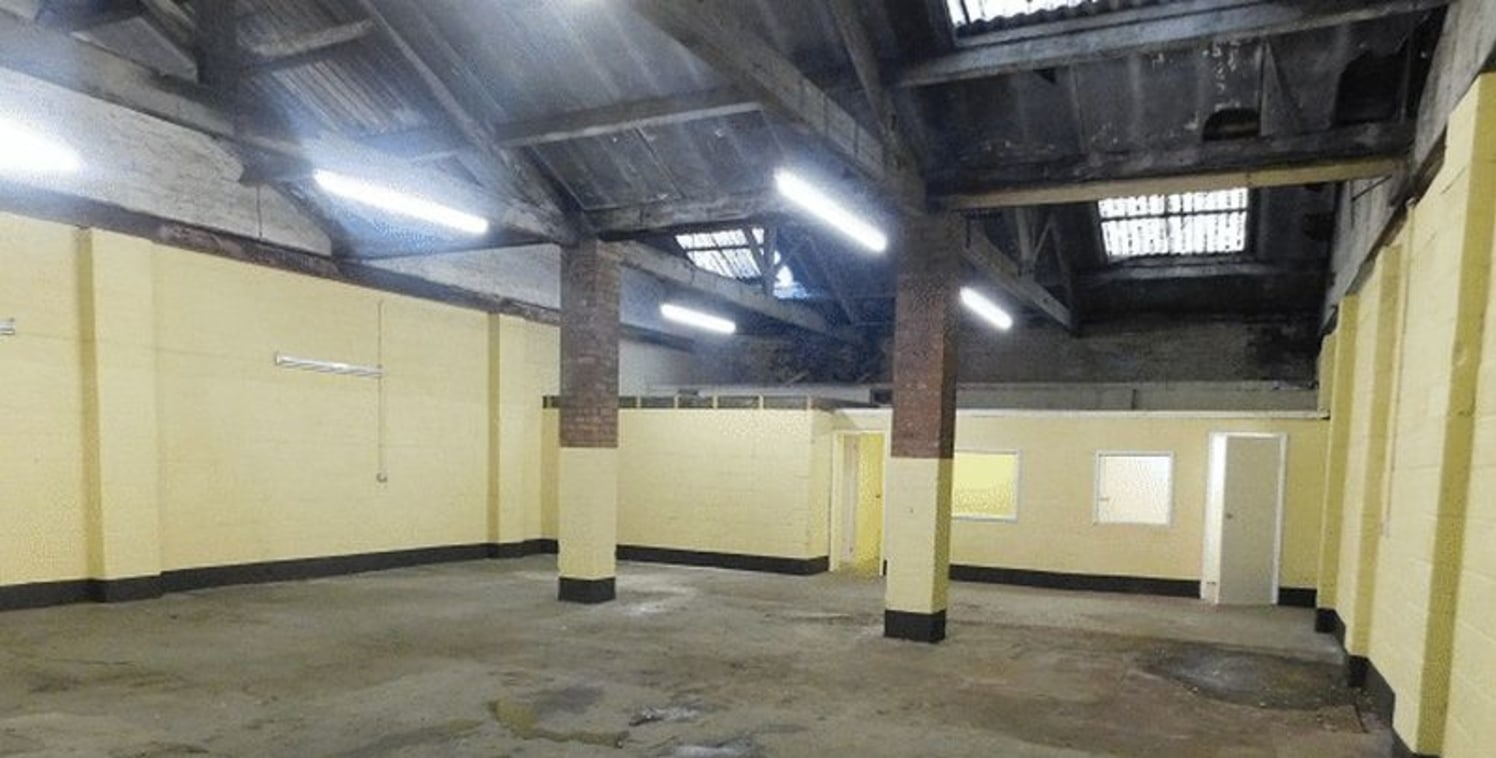 Commercial Unit to let 1675 Sq Ft suitable for various trades