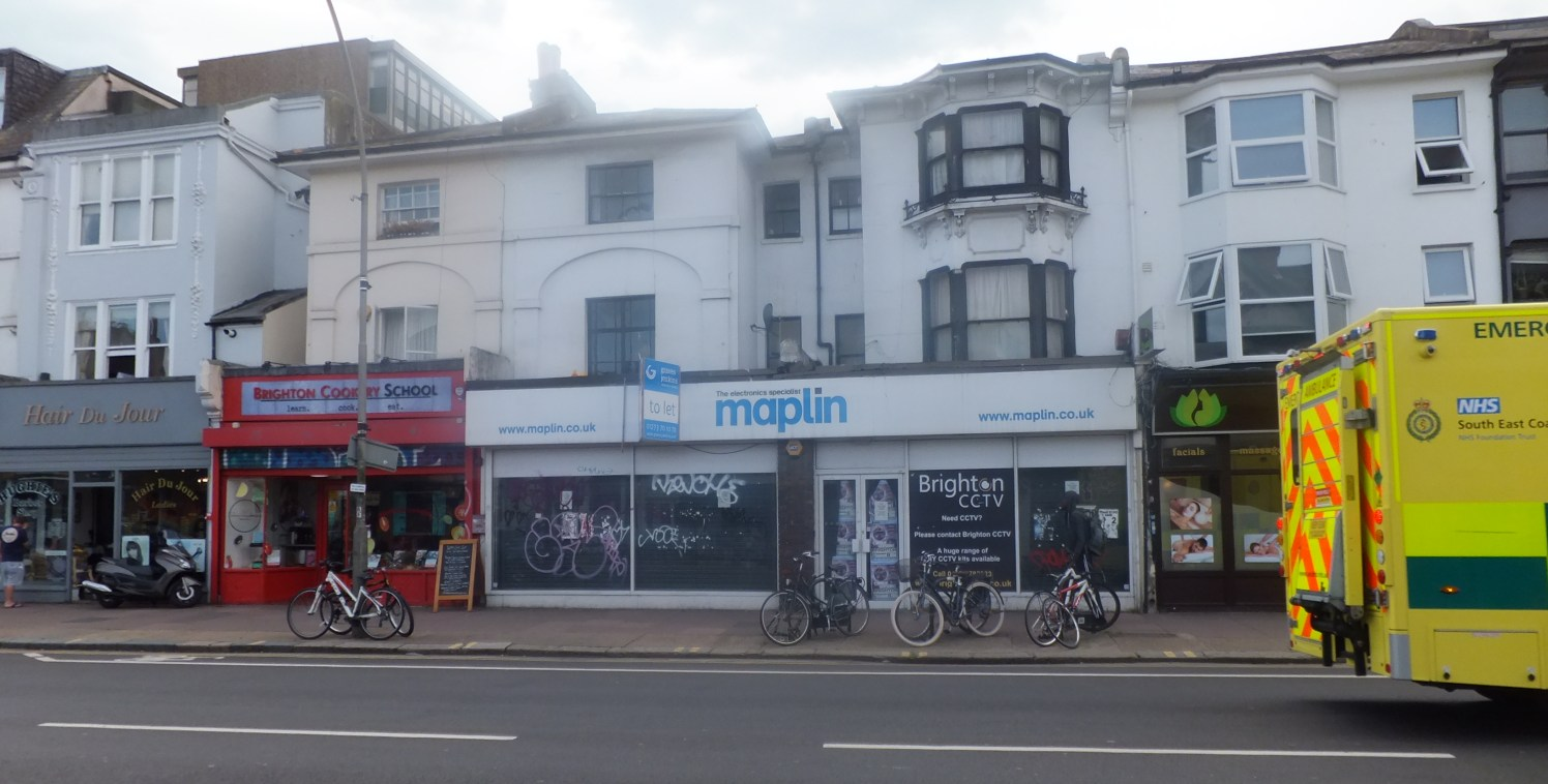 Large Prominent retail unit in London Road  Potential to split the unit into 2 units  Total size 246.47 sq m (2,653 sq ft)  TO LET
