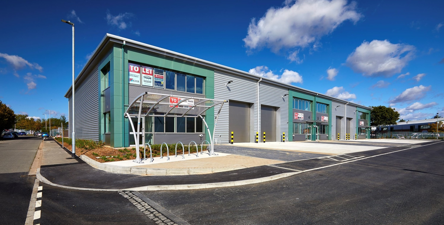 UNIT 7 - BRAND NEW 6,756 SQ. FT. WAREHOUSE INDUSTRIAL TRADE COUNTER CHELMSFORD<br><br>Location<br><br>Trade City Chelmsford is located on Montrose Road, within Dukes Park Industrial estate which is regarded as the premier industrial/ warehousing loca...