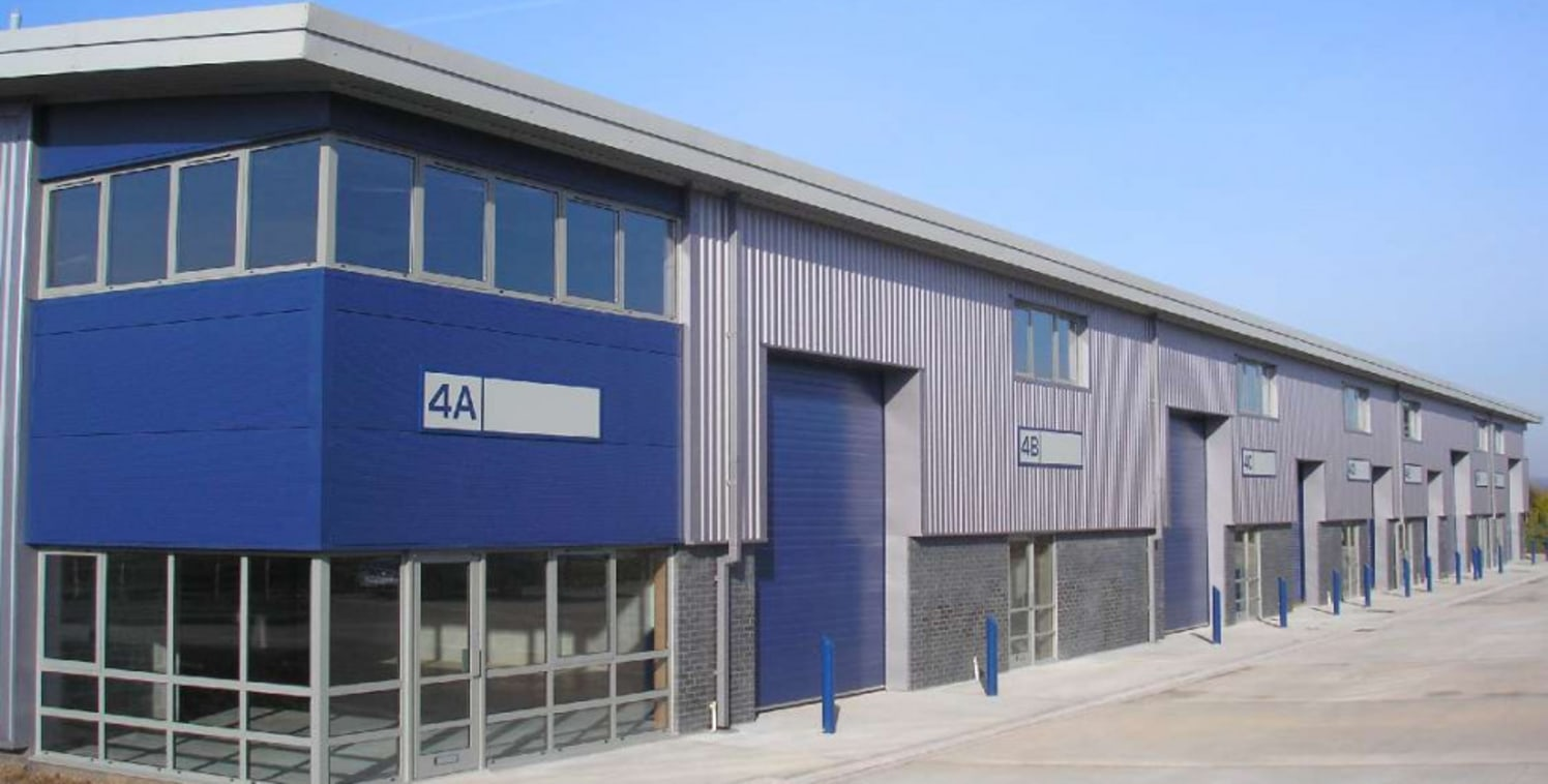 West Park 26 is a 44 acres new business park providing new high specification units for light industrial/warehouse/distribution use together with a Roadside Zone. The standard specification includes 6 m (20ft) eaves height, 30kN/m2 floor loading and...
