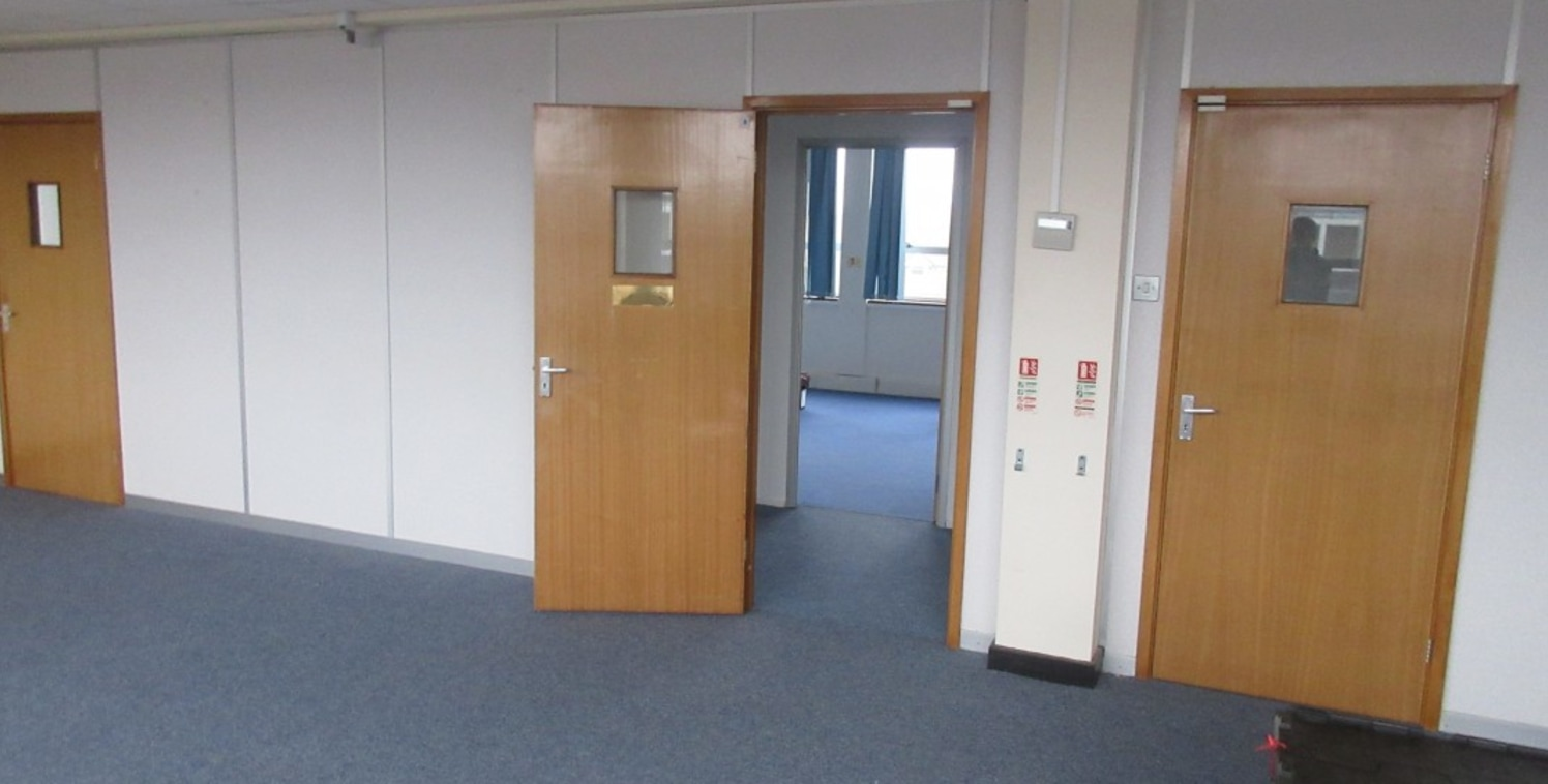"<p class=""p1"">Centre House is a four-storey office building with CCTV external security, intercom entrance, refurbished reception and lift to all floors with space available to let.</p>  <p class=""p1"">Aldridge is well placed for access from Walsall a..."