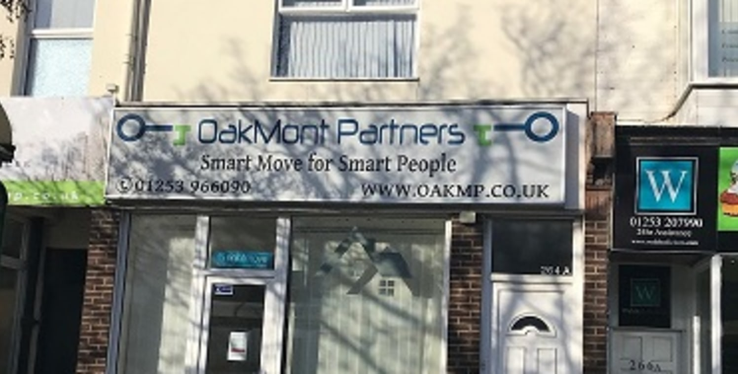 Double fronted premises located in a prominent main road position leading into Blackpool Town Centre. Ground floor double glazed office premises with front and rear area, staff room kitchen and WC. Total area 51 sqm (550 sqft) new lease available ren...