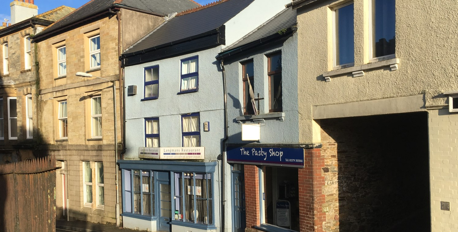 3 Church Street, Callington, is a distinctive three storey historic Grade II Listed building. The premises offer a characterful and attractive double frontage display windows, with the ground floor arranged as a lounge bar / reception, with period fe...
