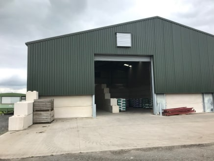 Industrial / warehouse unit which can be split.   4,037 sq ft  £18,200 per annum