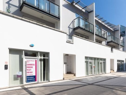 22a Point Pleasant is located off Putney Bridge Road next to Wandsworth Park, between Putney and Wandsworth.<br><br>With excellent transport links, Wandsworth Town mainline station provides direct access to Vauxhall, Waterloo and Victoria via Clapham...
