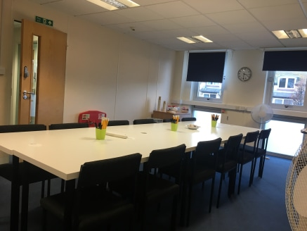 HIGH SPECIFICATION SERVICED OFFICE BUSINESS SUITES  Available on flexible and on an inclusive basis TO LET  Various sizes starting from 101 sq ft - 803 sq ft