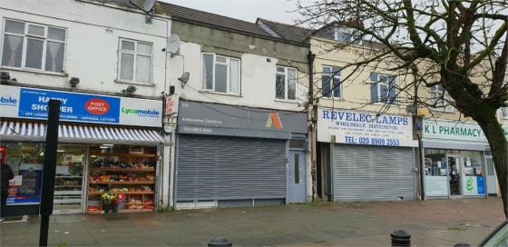Business lease for sale\n\nalexandra park is pleased to offer this lock up shop Solicitor's office for rent in this busy parade. Approx 600 sqft. Rent £15k per annum....