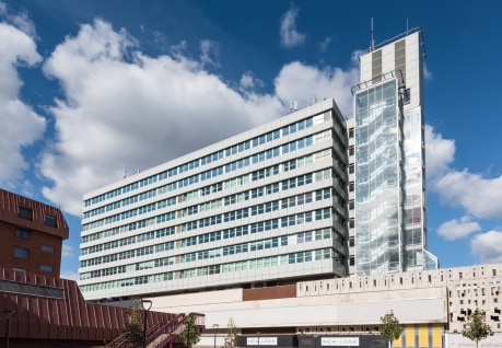Fountain House is a refurbished office arranged over ten floors, with panoramic views across Reading. The building benefits from a newly remodelled entrance and reception.   Located above the reinvigorated Broad Street Mall in Reading town centre, Fo...