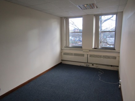First Floor open plan office accommodation with ancillary offices and car parking for 21 Cars. Located in central Stratford, very close to town centre railway station and local amenities. Total net floor area of 5,153 sq.ft,