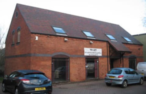 TO LET/MAY SELL: Courtyard Style Office Premises 2,122 SQ FT (197.14 SQ...