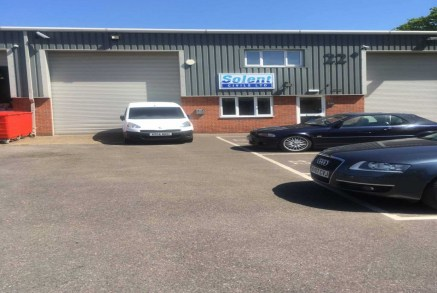Offices to let in Fordingbridge - 1,131 sq ft<br><br>High quality, self contained ground floor offices with car parking.<br><br>Location<br><br>The Sandleheath Business Park lies approximately 1 mile to the west of Fordingbridge, which is situated on...