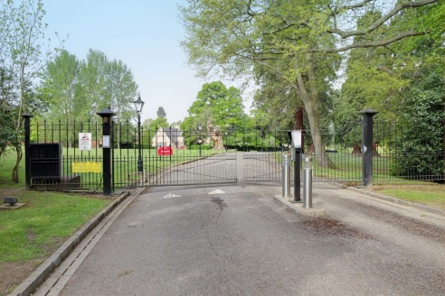 The Stables is set within the picturesque and panoramic New Lodge estate, overlooking the main house and the grounds. The Stables sit to the east of New Lodge House and are accessed via a secure driveaway off Drift Road just over 3 miles west of Wind...