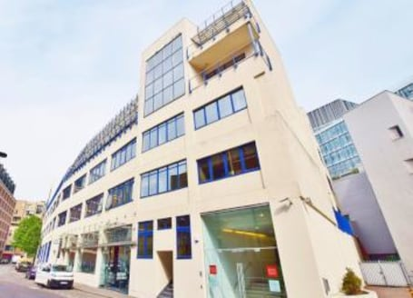 Available immediately Fully fitted office floor in SE1. Ready to be moved in to....