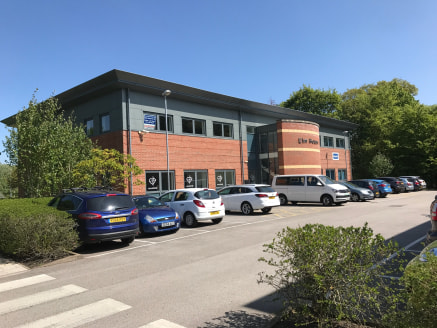 Open plan first floor offices in unit A4 with excellent natural light. Can be partitioned to suit your particular requirements. Extensive parking  2,239 Sq FT   Pleasant parkland setting close to M53 and a short walk to Hooton station.  Very competit...