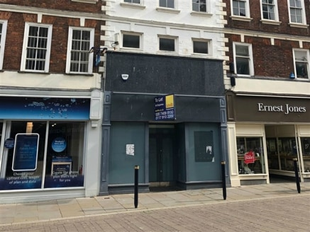 Self-contained retail situated in a prominent position in close proximity to The Cross. Existing Class A1 use, but may suit a range of uses, subject to the necessary consents being...