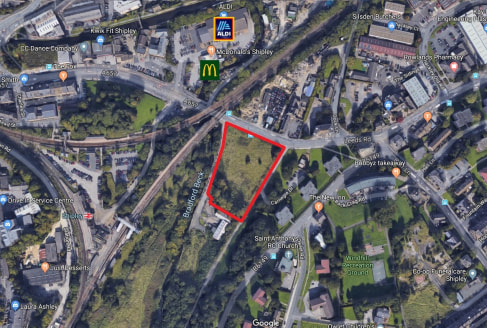 The site comprises a generally level plot of land with extensive open frontage to Leeds Road. The freehold site is suitable for commercial or residential development (subject to planning permission) and is available with vacant possession.   The subj...