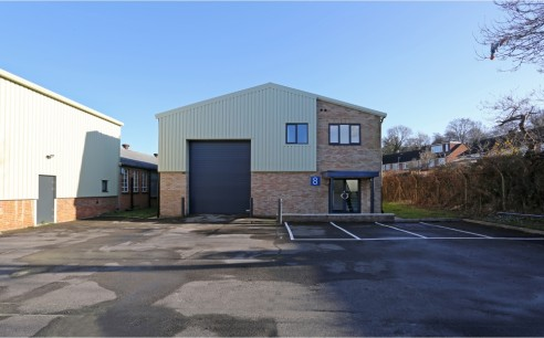 Unit 8 comprises a warehouse/industrial unit with good eaves height which has recently been...