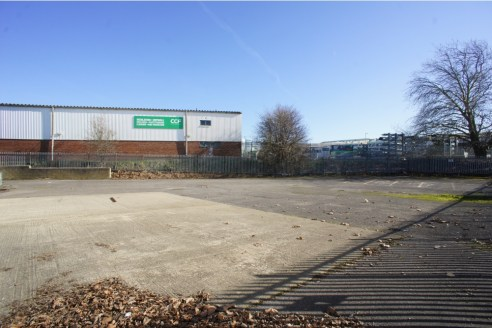 Hawksworth Industrial Estate is well located in central Swindon approximately 2 miles from Junction 16 of the M4 motorway via the Great Western Way dual carriageway.<br><br>The town centre is approximately 1 mile to the east.