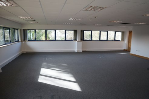 Modern First Floor open plan office with car parking