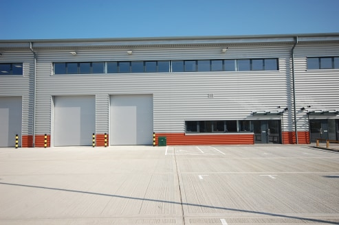 12,720 sq ft\n\nBRAND NEW WAREHOUSE / INDUSTRIAL UNIT\n\nCan be combined with other units to provide up to 38,349 sq ft\n\n12 Car parking spaces, plus 2 truck loading bays\n\nWarehouse\n\n* Minimum 8m eaves\n\n* 2 x electrically operated loading door...