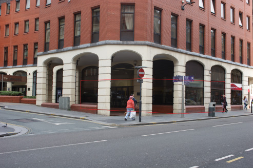 Retail unit to let in Liverpool with A1/A2 consent.  The development known as 2 Moorfields comprises of ground floor retail units with 135 apartments above including a Dream Apartments Aparthotel. Immediately adjoining the premises is an Ibis Style h...