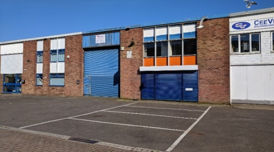 Incentives Available ** The unit comprises a mid-terraced purpose built factory premises of steel portal frame construction with brick block elevations under corrugated asbestos sheet clad roof with the benefit of 10% roof lights. Internally the prem...