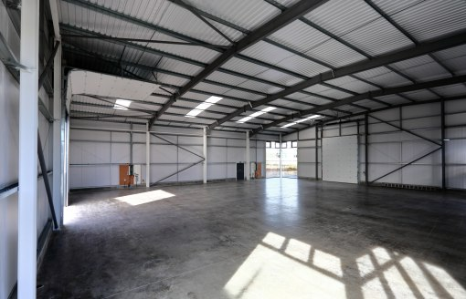 The property comprises a newly constructed purpose built showroom / trade counter facility providing accommodation extending to approx. 3,125 sqft (290 sqm) with electric roller shutter door, attractive glazing and 11 car parking spaces. The building...