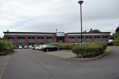 NEWLY REFURBISHED OFFICES IN THE HEART OF THE TEAM VALLEY  Team Valley Trading Estate is recognised as the North East's Principal commercial Business Park incorporating in excess of 6.5m sq ft of industrial, office and retail accommodation.  Gateshea...