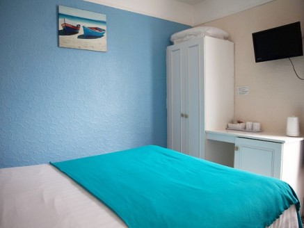 Licensed Hotel located in the Town Centre close to all the shops, Bars, Restaurants and attractions including the Winter Gardens and New Conference Centre. 18 letting bedrooms all with en suite facilities, tv's, tea and coffee making facilities, cent...