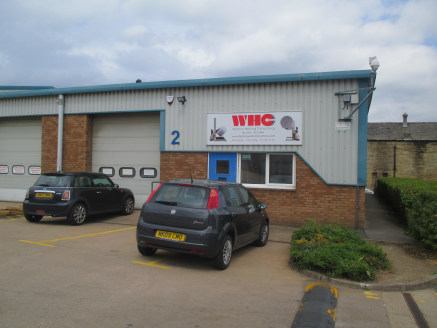 Modern single storey industrial unit situated on established industrial park. Up and over loading door and forecourt...