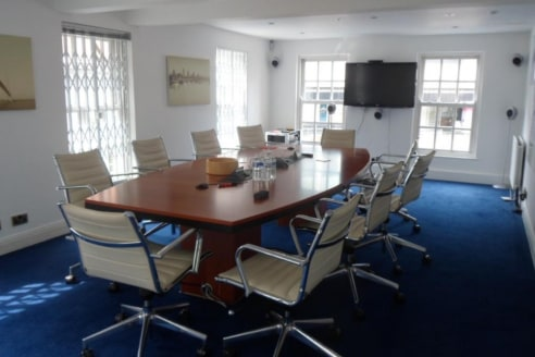 Waltham House is in excellent decorative order and comprises office accommodation on lower ground, ground and two upper floors. The accommodation provides a mixture of individual offices together with suitable meeting and conference rooms....