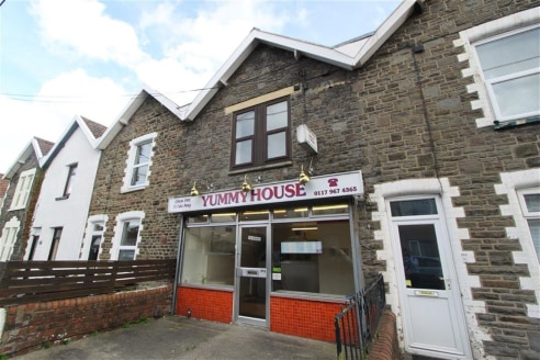 ***FOR SALE - MIXED USE PROPERTY, KINGSWOOD***  Fully fitted takeaway with living accommodation above and to the rear. The property offers potential make the living accommodation a self-contained maisonette with access from the rear. The property is...