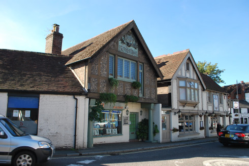Character period building, currently serving as a retail shop over ground and first floors. The property has been well-maintained and includes a small enclosed garden to the rear. The property is located on the High Street, being Storrington's princi...