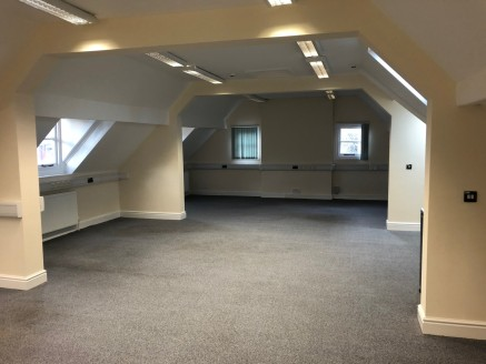 City centre building close to station providing small office suites in an attractive multi occupied property.   Easy in / out terms  All inclusive rent (rates, utilities, maintenance, cleaning of shared areas)  Available for immediate occupation.  Ro...