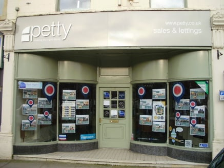 24 Manchester Road, Nelson - Petty Chartered Surveyors