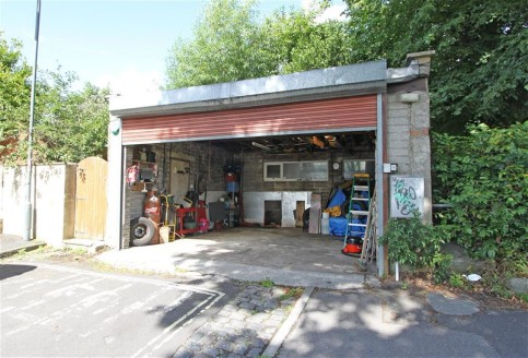 GUIDE PRICE �50,000-�60,000. Sizeable garage/workshop measuring approximately 360sqft, situated in a highly sought after residential location overlooking Victoria Park. The property benefits from an electric roller shutter door and would be ideal for...
