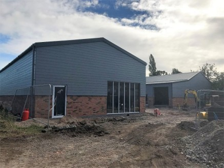 A brand new commercial development of six self-contained business units. Office, business and industrial units. Sizes from 669 sq ft - 1,706 sq ft. Located within two miles of Junction 3 of the M42.
